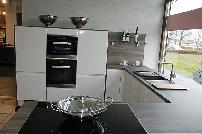 selektion d-musterküche grifflose lack-küche mit wohnelementen ... - Magnolia Hochglanz Küche