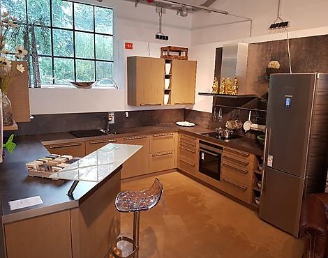 musterk chen neueste ausstellungsk chen und musterk chen seite 81. Black Bedroom Furniture Sets. Home Design Ideas
