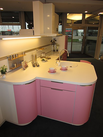 leicht musterk che leicht musterk che ausstellungsk che in hemmingen bei hannover von henning. Black Bedroom Furniture Sets. Home Design Ideas
