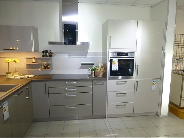Schüller-Musterküche Hochglanzlack Küche Mit Holzoptik