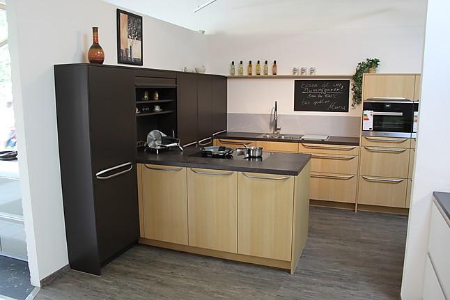 Rational-Musterküche Gemütliche echtholzfurnierte Küche der ...