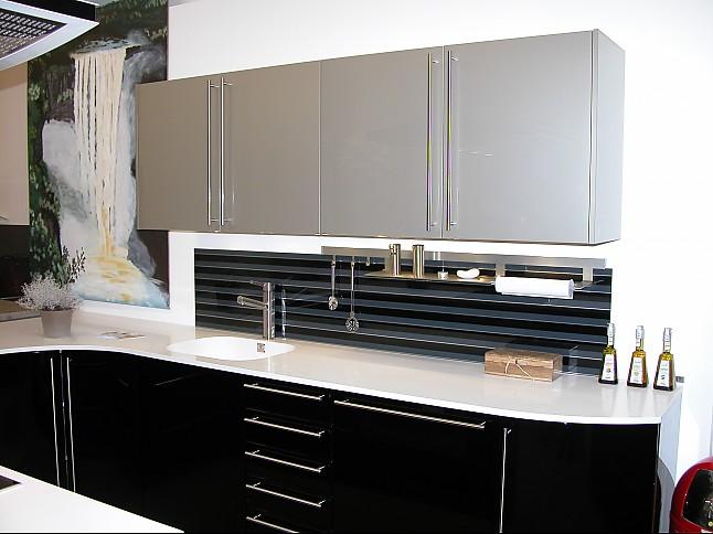 h cker musterk che systemat hochglanz schwarz lackiert. Black Bedroom Furniture Sets. Home Design Ideas