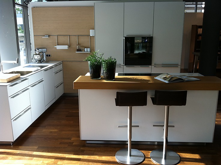 bulthaup musterk che laminat laminat alpinwei zu einem. Black Bedroom Furniture Sets. Home Design Ideas