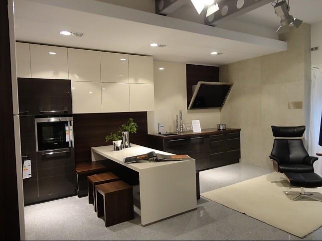 nolte musterk che terra wei hochglanz ausstellungsk che in olching von keser home company. Black Bedroom Furniture Sets. Home Design Ideas