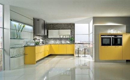 Moderne Küche gelb - orange  - Küchenstudio Martin in Herschbach bei Montabaur und Hachenburg