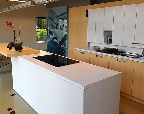 Knallhart REDUZIERT Auf 14.500,   Euro Traumhafte Moderne Küche Mit  Echtholzfurnier   NX800