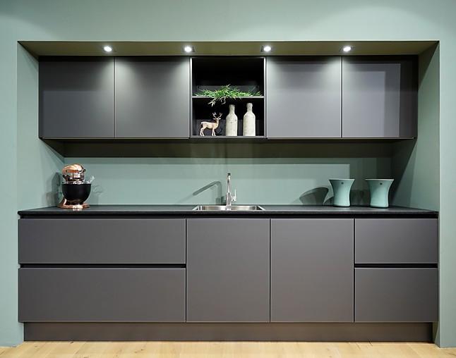 sch ller musterk che faszinierende verw hnausstattung. Black Bedroom Furniture Sets. Home Design Ideas