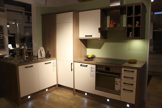 wellmann musterk che ausstellungsk che im modernen landhausstyle ausstellungsk che in bernau. Black Bedroom Furniture Sets. Home Design Ideas