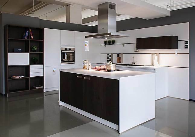 next125 musterk che reduziert auf euro traumhafte moderne lackk che mit echtholzfurnier. Black Bedroom Furniture Sets. Home Design Ideas