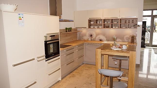 inpura musterk che farbkombination l k che magnolie kaschmir ausstellungsk che in augsburg von. Black Bedroom Furniture Sets. Home Design Ideas