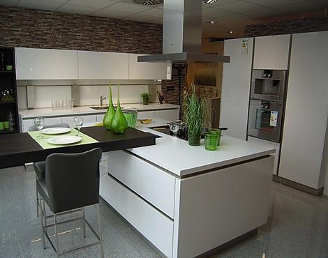 kchengerte abverkauf good elegant ideen bulthaup mnchen kchen avantgarde kchenstudio bulthaup. Black Bedroom Furniture Sets. Home Design Ideas