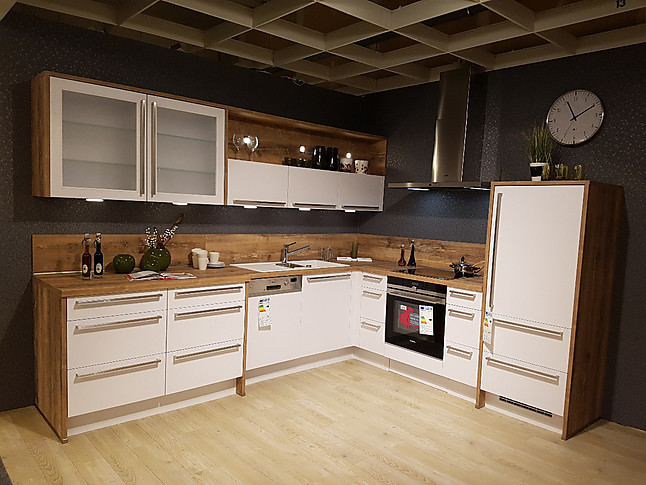 nobilia musterk che inkl hochwertiger siemens ger te ausstellungsk che in wolfsburg von m bel. Black Bedroom Furniture Sets. Home Design Ideas
