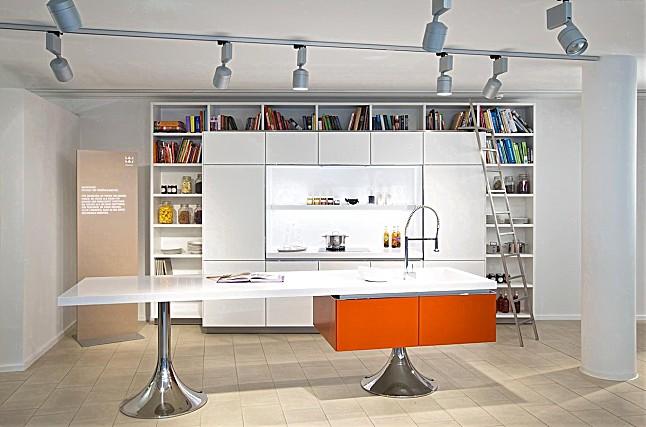 warendorf musterk che philippe starck by warendorf ausstellungsk che in hamburg von warendorf. Black Bedroom Furniture Sets. Home Design Ideas