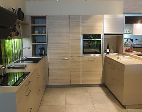 Großzügige design küche in u form pinta 136 sandgrau orlando 246 berglärche