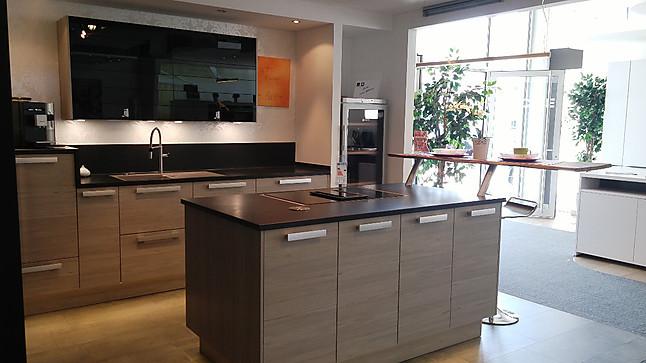 inpura musterk che k che mit insel ausstellungsk che in eichst tt von k che raum. Black Bedroom Furniture Sets. Home Design Ideas