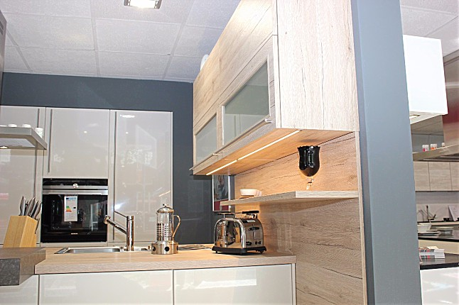 ... San Remo abgesetzt.: Ausstellungsküche in Bochum von Küchen Behrendt