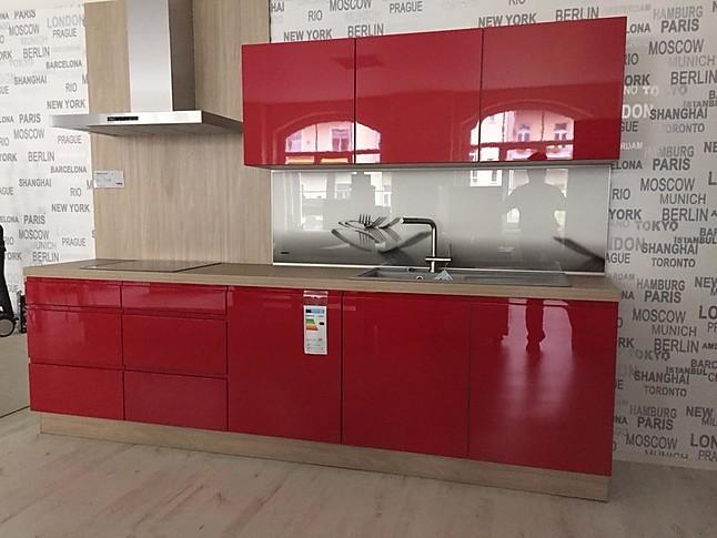 nolte musterk che grifflose eleganz in rot hochglanz ausstellungsk che in von. Black Bedroom Furniture Sets. Home Design Ideas