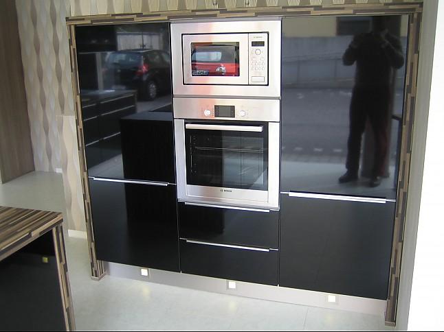 nobilia musterk che hochglanz schwarz ausstellungsk che. Black Bedroom Furniture Sets. Home Design Ideas