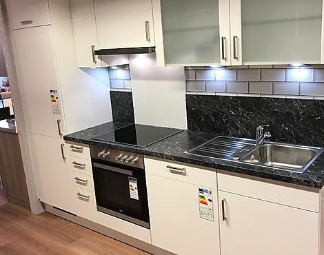 Küchenzeile weiß glänzend pet hochglanz lack beschichtung mit geräten susann pet hochglanz kunststoff