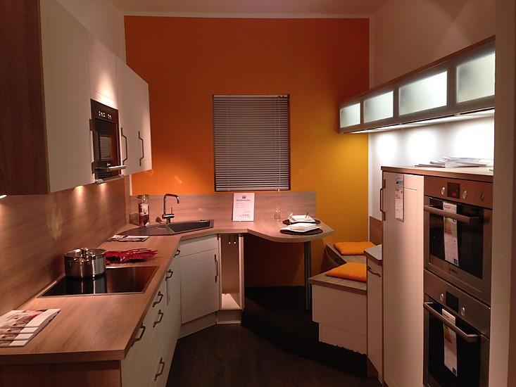 burger musterk che gem tliche kleine design k che mit viel stauraum ausstellungsk che in. Black Bedroom Furniture Sets. Home Design Ideas