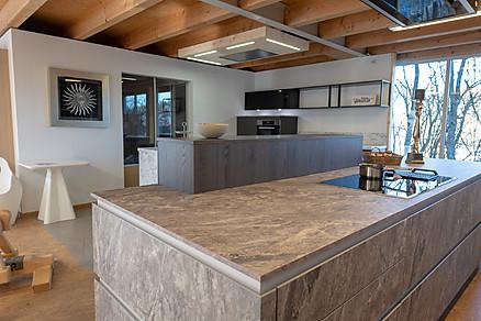 Attraktive Küchen finden Sie bei Schenk Inneneinrichtungen