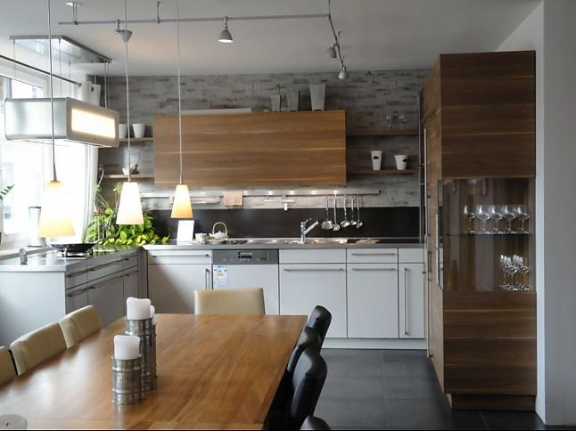 leicht musterk che verkauft ausstellungsk che in m nchen von dross schaffer m nchen ost. Black Bedroom Furniture Sets. Home Design Ideas