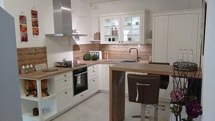 Klassische Küche in Weiß Küchenstudio Rietzler Buchloe