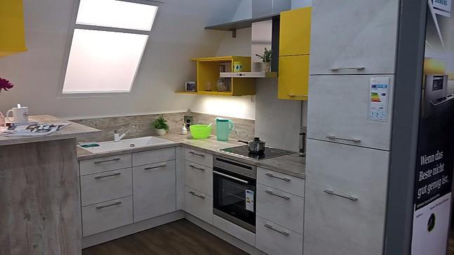 Nobilia-Musterküche moderne Küche für Dachgeschoss Wohnung ...