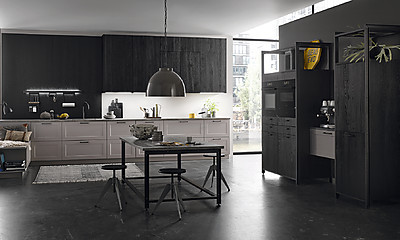 Landhauskueche mit TreeTime Küchenfront Östersund Black Oak