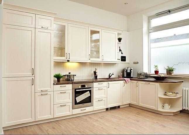 elementa musterk che massivholz landhausk che ausstellungsk che in k ln von k chenstudio. Black Bedroom Furniture Sets. Home Design Ideas