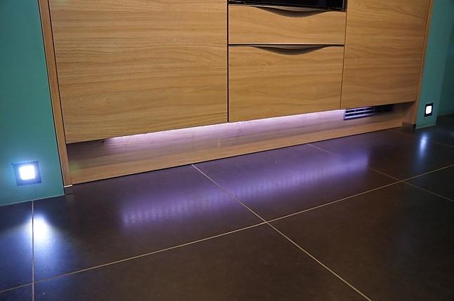 nolte musterk che design hochglanz k che mit runden ecken ausstellungsk che in schwandorf. Black Bedroom Furniture Sets. Home Design Ideas