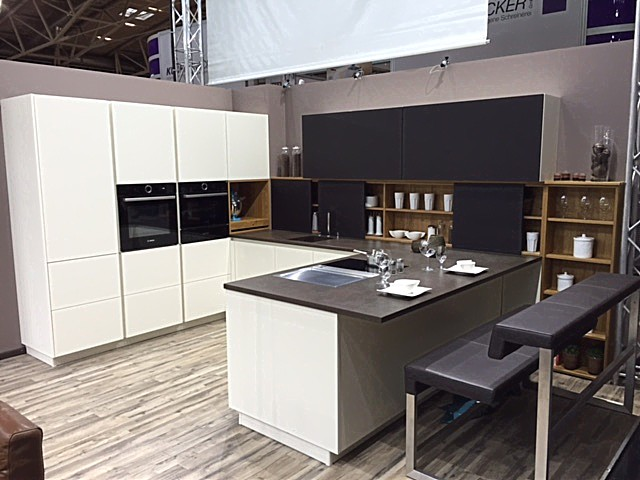 schmidt k chen musterk che loft vertica eolis ausstellungsk che in landsberg am lech von. Black Bedroom Furniture Sets. Home Design Ideas