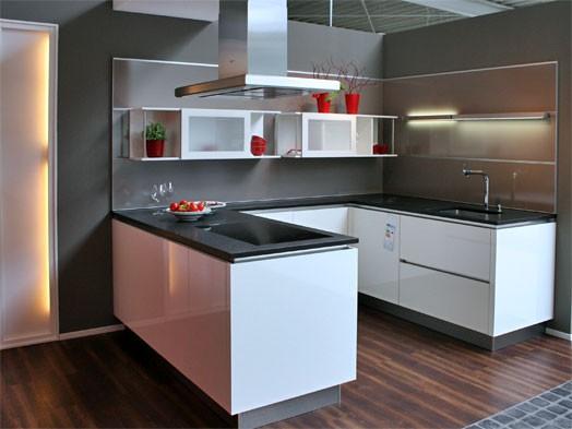 inpura musterk che moderne u k che mit nischenverkleidung zum abverkaufspreis ausstellungsk che. Black Bedroom Furniture Sets. Home Design Ideas