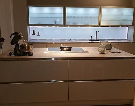 musterk chen neueste ausstellungsk chen und musterk chen seite 83. Black Bedroom Furniture Sets. Home Design Ideas