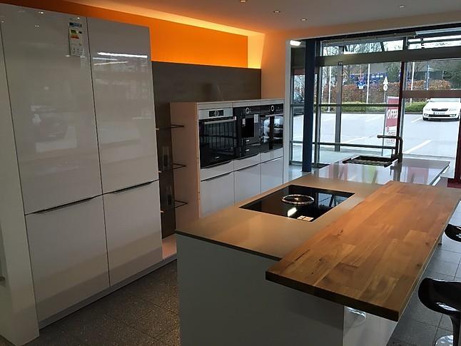 Häcker-Musterküche Top Moderne Hochglanz Küche mit viel Platz für ...