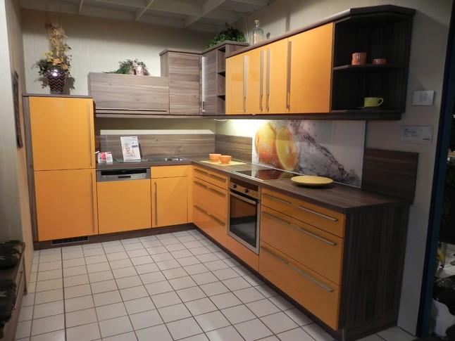 nolte musterk che moderne einbauk che orange hochglanz ausstellungsk che in. Black Bedroom Furniture Sets. Home Design Ideas