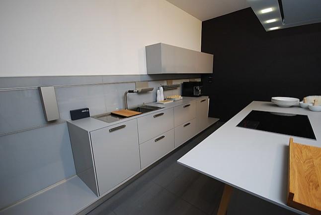 Bevorzugt next125-Musterküche außergewöhnliche Küche: Ausstellungsküche in VL08