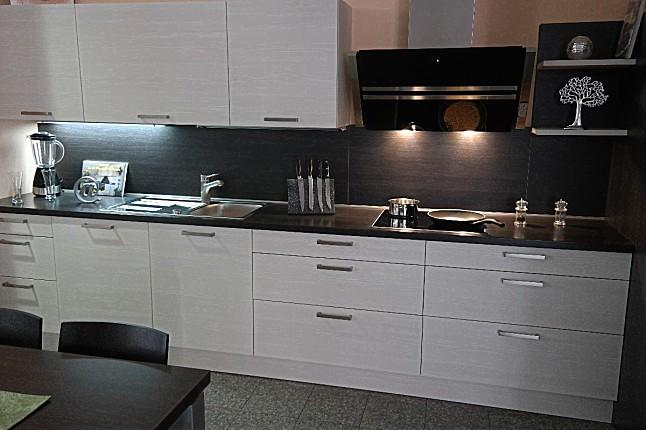 sch ller musterk che moderne und zeitlose k che l form ausstellungsk che in gotha von. Black Bedroom Furniture Sets. Home Design Ideas