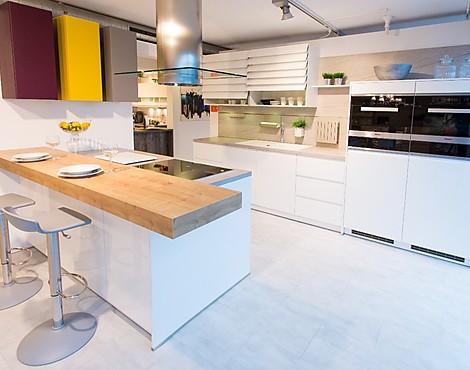 musterk chen von sch ller angebots bersicht g nstiger ausstellungsk chen. Black Bedroom Furniture Sets. Home Design Ideas