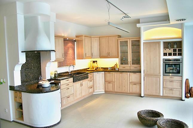 kornm ller musterk che exklusive k che im landhaus stil ausstellungsk che in f rstenfeldbruck. Black Bedroom Furniture Sets. Home Design Ideas