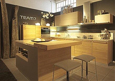 Moderne Holzküche von TEAM 7