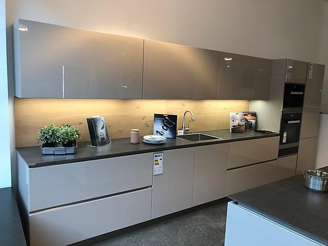 häcker-musterküche moderne hochglanzküche mit kochinsel