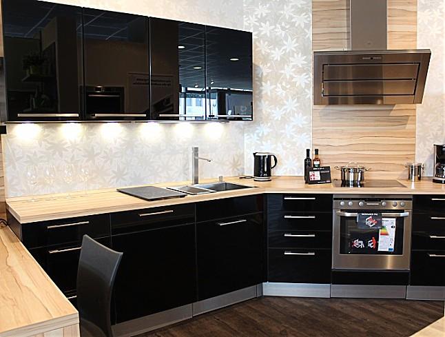 wellmann musterk che reddy a glaseffekt schwarz ausstellungsk che in bielefeld von reddy k chen. Black Bedroom Furniture Sets. Home Design Ideas