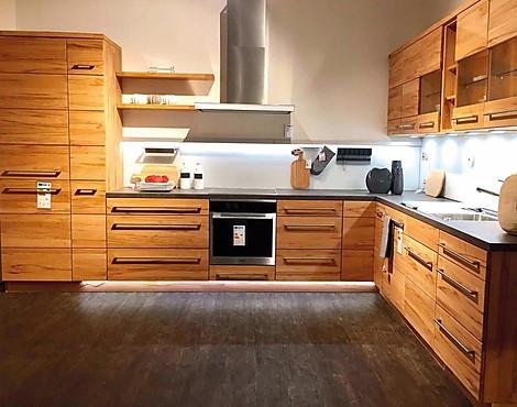 Musterkuchen neueste ausstellungskuchen und musterkuchen for Einbauküche massivholz