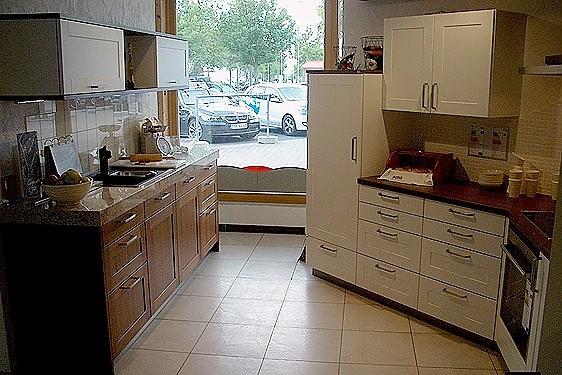 plana musterk che ausstellungsk chen abverkauf ausstellungsk che in w rzburg von plana. Black Bedroom Furniture Sets. Home Design Ideas