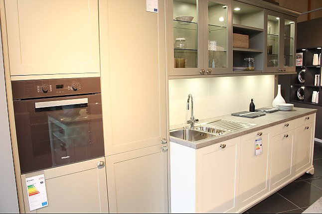 leicht musterk che k che mit moderner front. Black Bedroom Furniture Sets. Home Design Ideas