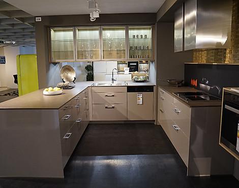musterk chen von leicht angebots bersicht g nstiger ausstellungsk chen. Black Bedroom Furniture Sets. Home Design Ideas