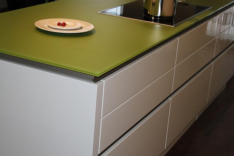 next125 musterk che hochglanz wei ausstellungsk che in asbach b umenheim von himmlisch wohnen. Black Bedroom Furniture Sets. Home Design Ideas