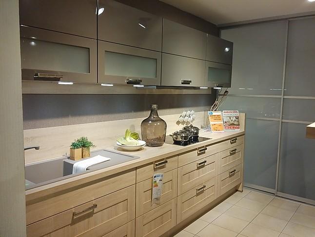 nobilia musterk che zwei zeilen designk che mit miele einbauger te ausstellungsk che in. Black Bedroom Furniture Sets. Home Design Ideas