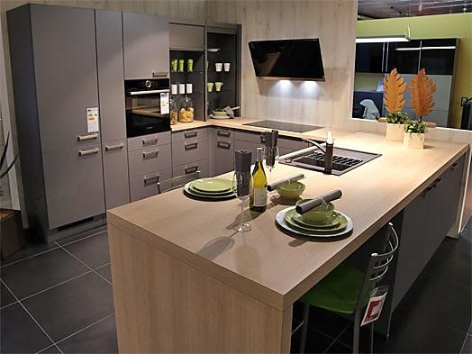 Linea pisa zeitlose u küche mit insellösung zum sonderpreis
